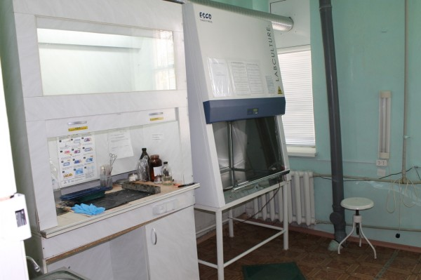 Бокс микробиологической защиты бакотдела лаборатории